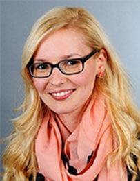 Frau Jennifer Wildschütz